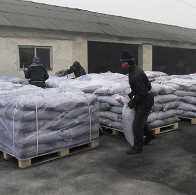 椰壳活性炭打包出口印尼