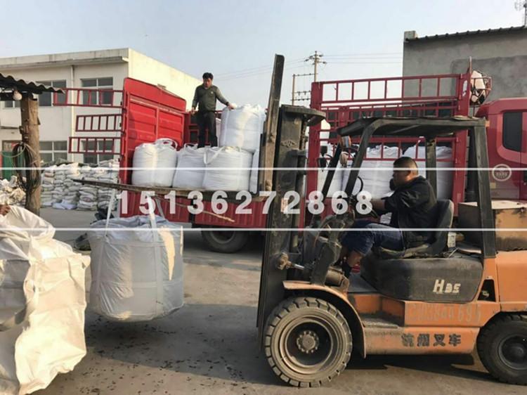 柱状活性炭吨包装车